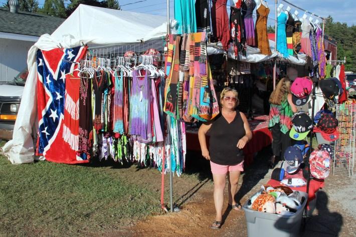 Delaware County fair vendor Confederate flag